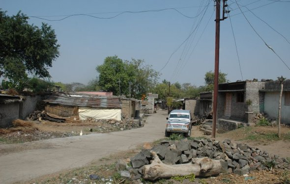 Panoramio - Photo of Village Road, Kata Village, Washim Block