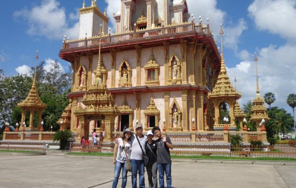 Phuket City Tour local sightseeing tours old town, cashew nut