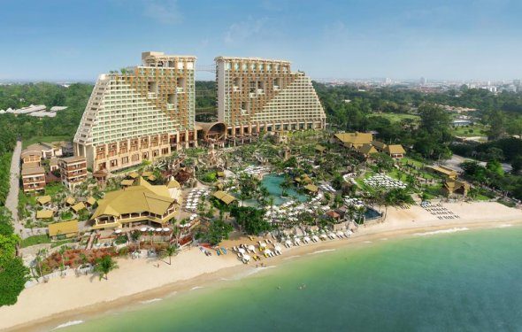 Resort Centara Grand Mirage Beach, Pattaya North, Thailand