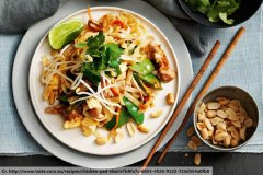 pad-thai-khai-phuket-food
